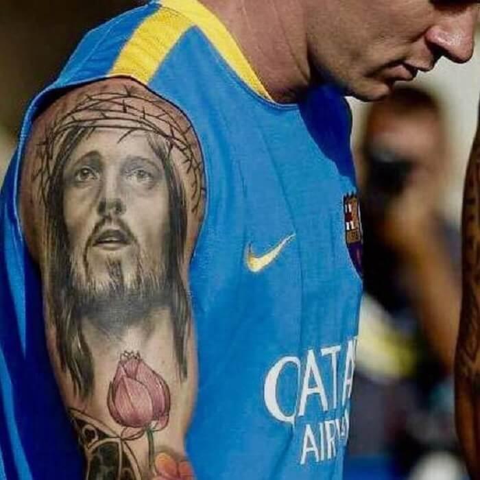Messi xăm hình chúa là vì anh là một người sùng đạo
